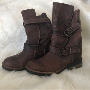 Brown distressed Steve Madden boots